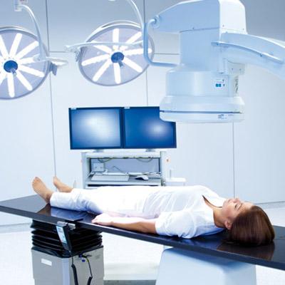 Sala operacyjna - fotografie z modelem