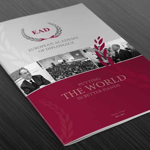Europejska Akademia Dyplomacji - folder z ofertą uczelni