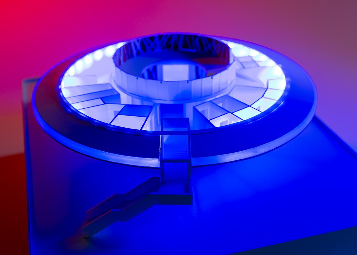 UFO NOL niezidentyfikowany obiekt latający - makieta projektu restauracji