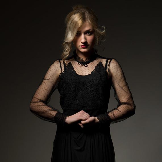 diva - portret w czerni